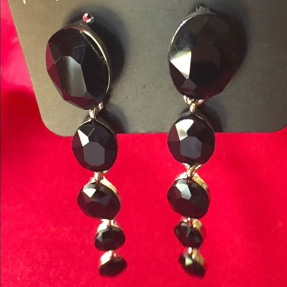 PAPARAZZI Blk Earrings RED CARPET RADIANCE NWT